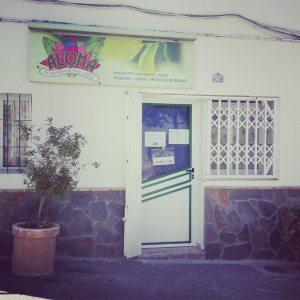 foto fachada tienda Aloha